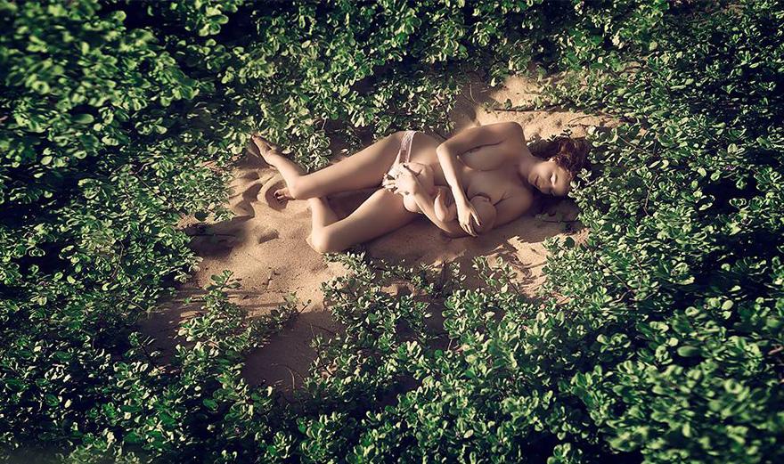 Фотограф Иветт Ивенс хочет, чтобы кормление грудью на публике стало нормой.